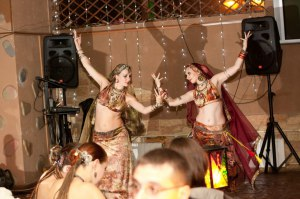 Рагумаи и Ариадна на трайбл-вечеринке в Москве 2